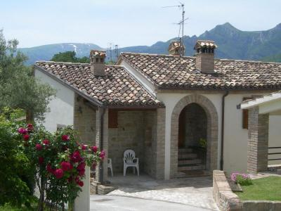 townhouse to Buy in San Ginesio