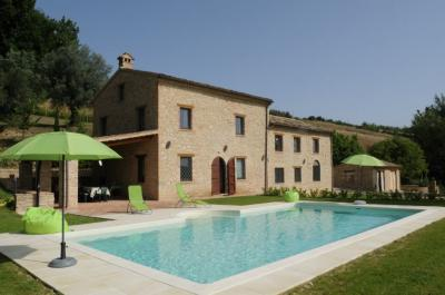 farmhouse to Buy in Penna San Giovanni
