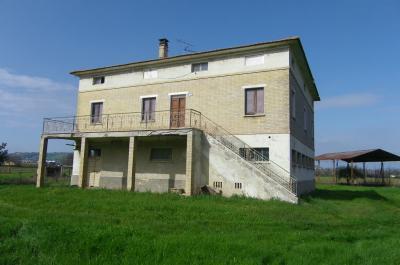 Casa colonica in Vendita a Potenza Picena