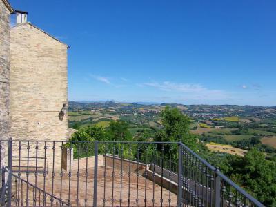 Casa cielo-terra in Vendita a Monte Giberto