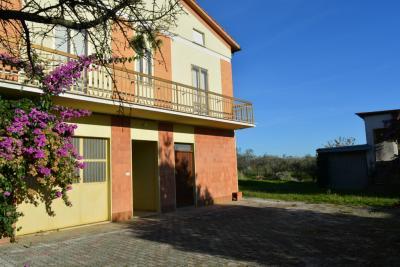 Casa cielo-terra in Vendita a Magliano di Tenna