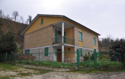 Villa in Vendita a Comunanza
