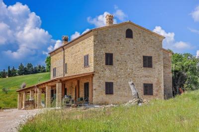 Casa colonica in Vendita a San Ginesio