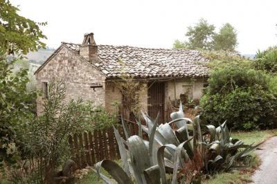 Casa colonica in Vendita a Ponzano di Fermo