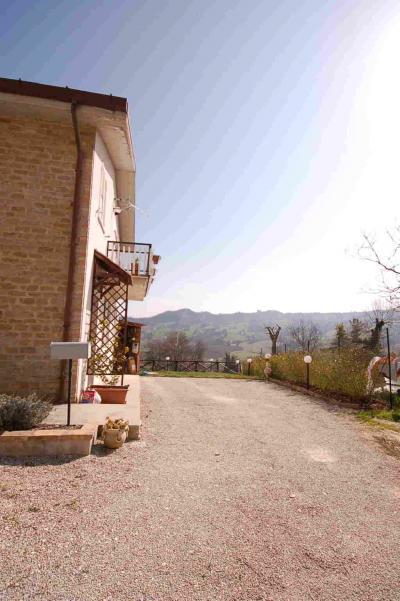 Casa singola in Vendita a Montefalcone Appennino