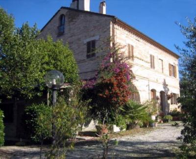 Casale in Vendita a Monterubbiano