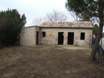Casa cielo-terra in Vendita a Monterubbiano