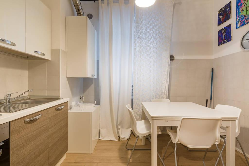 Appartamento in affitto a Verona, 2 locali, zona Località: Centrostorico, prezzo € 1.000   CambioCasa.it