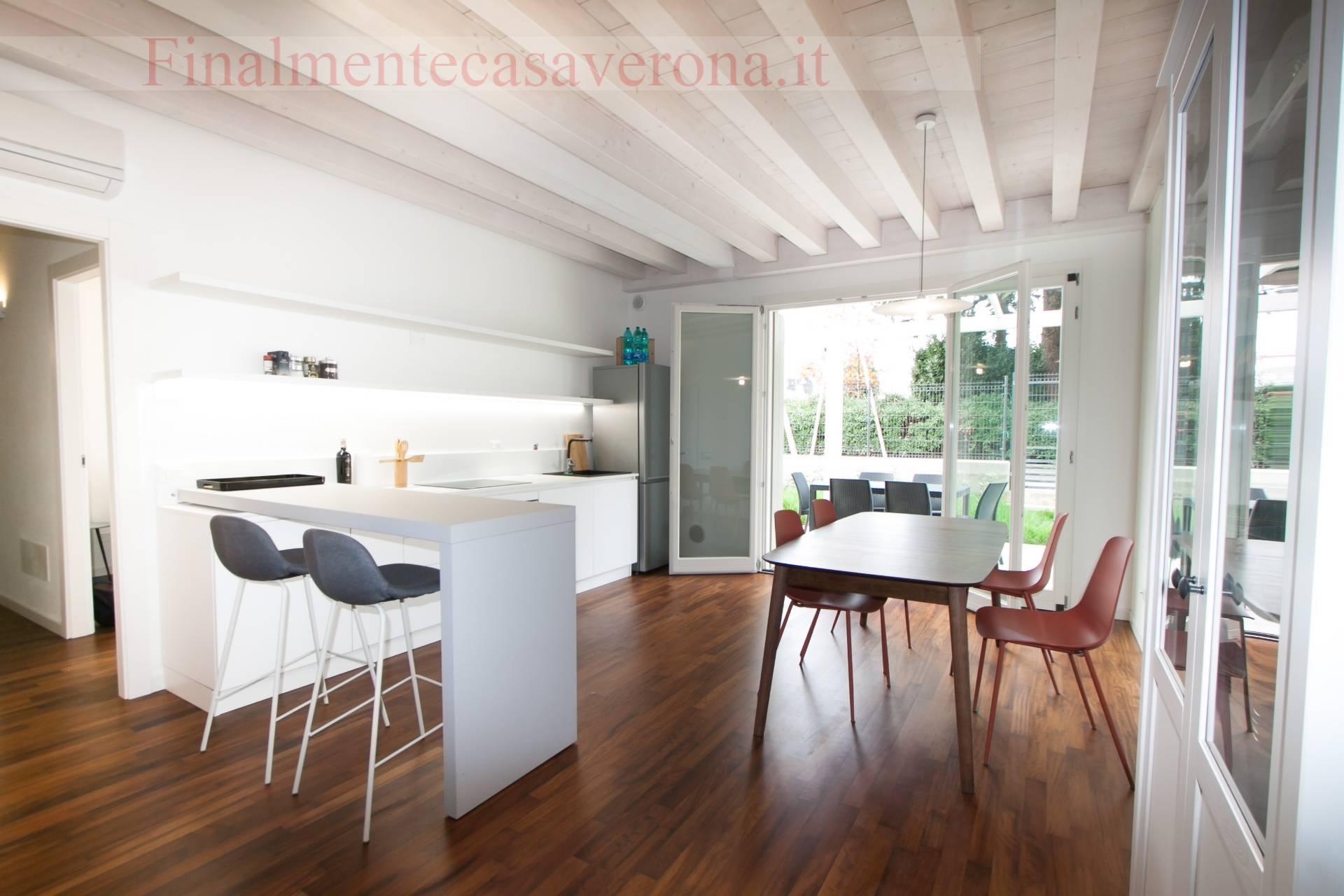 Appartamento in affitto a Peschiera del Garda, 2 locali, prezzo € 1.000   CambioCasa.it