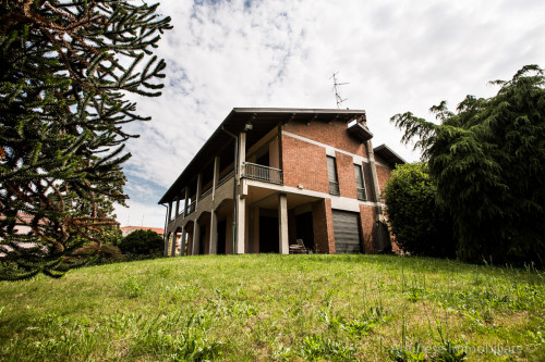 Villa in Vendita a Casorezzo