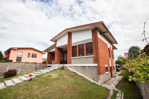 Casa singola in Vendita a Casorezzo