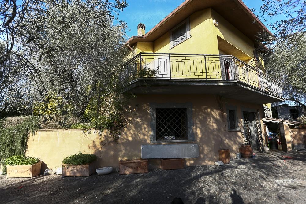 Foto - Villa In Vendita Fara In Sabina (ri)