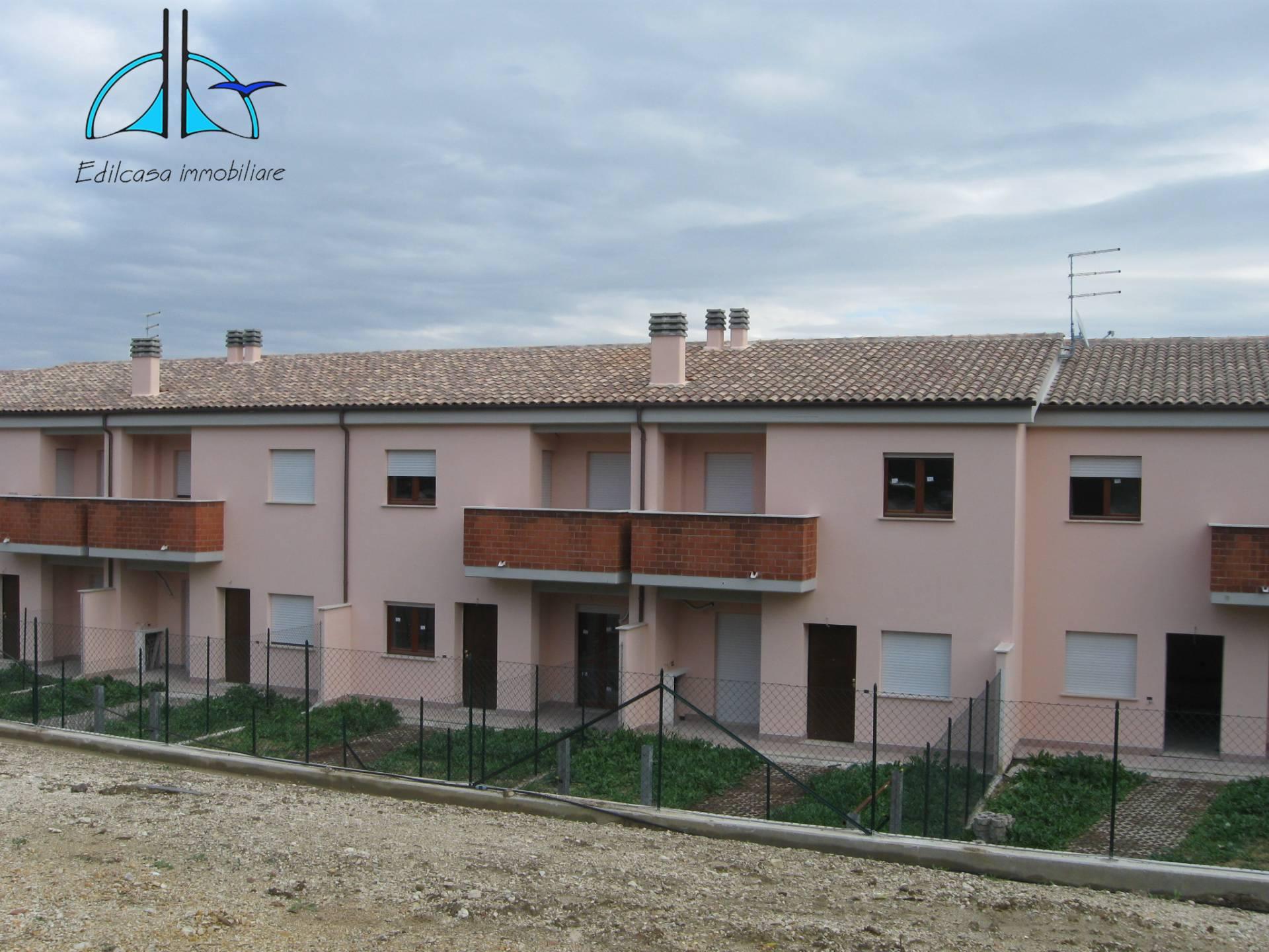 Villa a Schiera in vendita a Torrita Tiberina, 6 locali, prezzo € 160.000 | CambioCasa.it