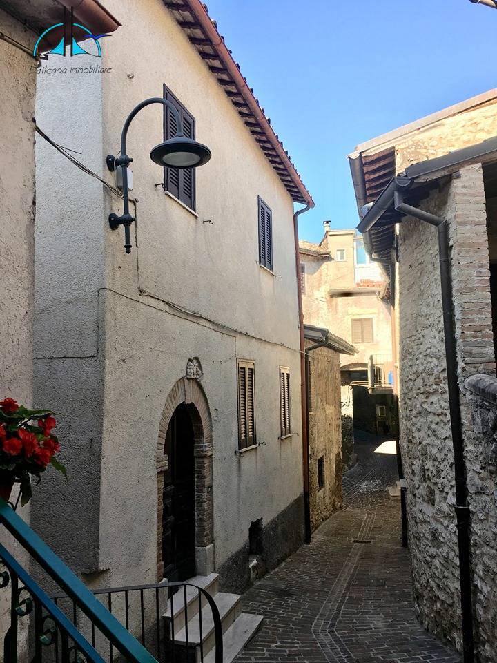 Appartamento in vendita a Toffia, 5 locali, prezzo € 98.000   PortaleAgenzieImmobiliari.it