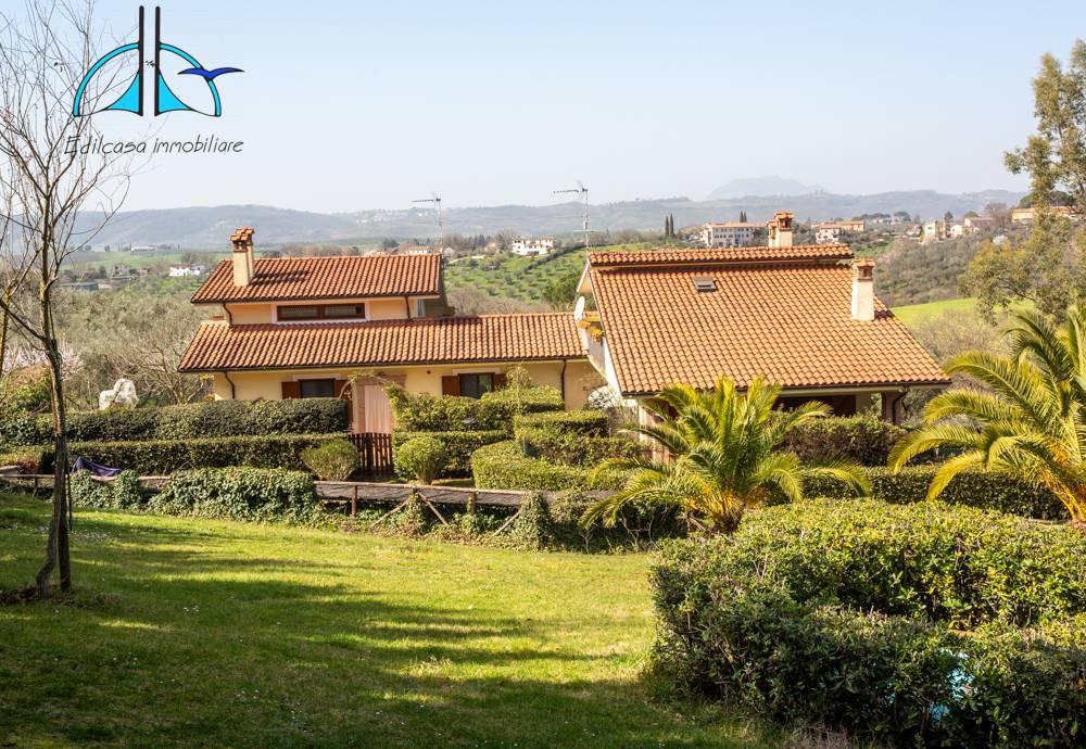 Villa in vendita a Fara in Sabina, 5 locali, zona Località: ValleFalsa, prezzo € 296.000   CambioCasa.it
