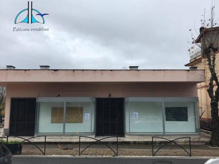 Negozio / Locale in vendita a Fara in Sabina, 9999 locali, zona Località: PassoCorese, prezzo € 230.000 | CambioCasa.it