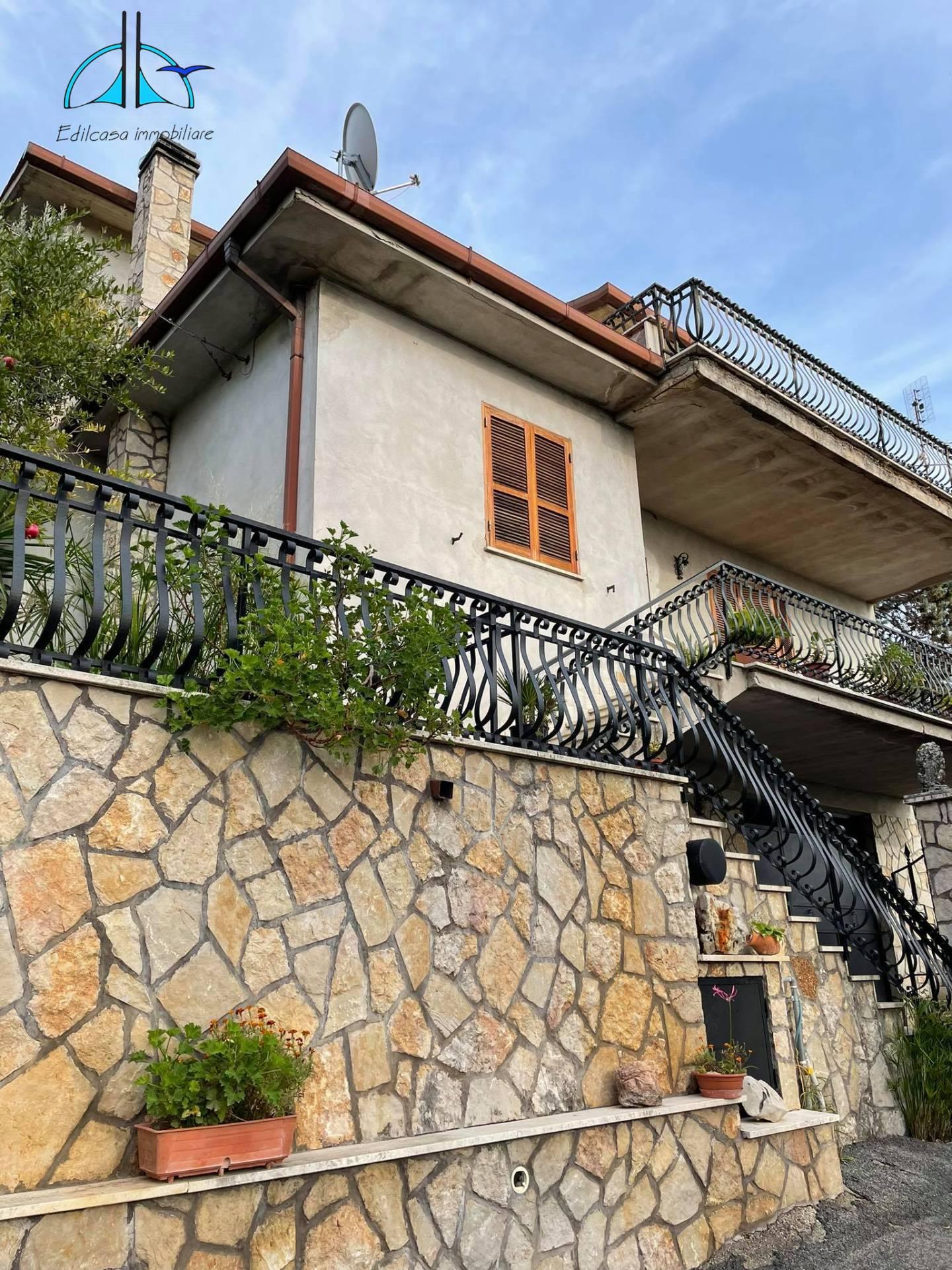 Appartamento in vendita a Fara in Sabina, 3 locali, zona egrottone, prezzo € 78.000 | PortaleAgenzieImmobiliari.it