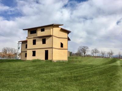 Casa semindipendente in Vendita a Scandriglia