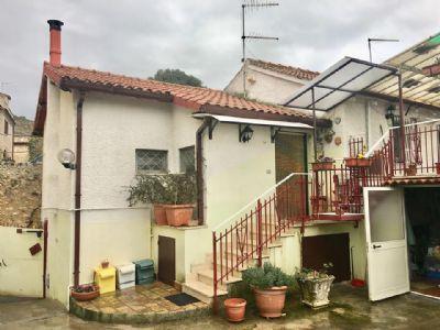 Appartamento in Vendita a Fara in Sabina