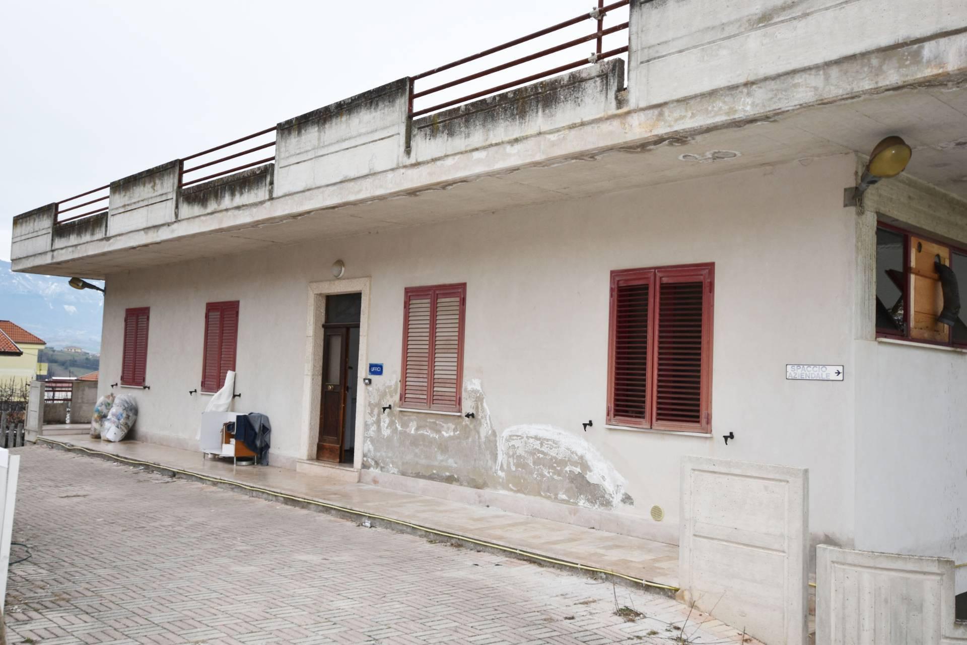Capannone in vendita a Ancarano (TE)