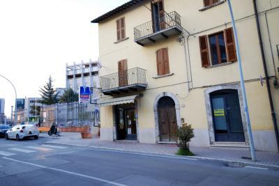 Negozio in Affitto a Ascoli Piceno
