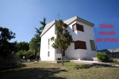 Villa in Affitto a Ascoli Piceno