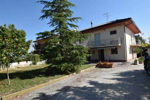 Casa Indipendente in Vendita a Bellante