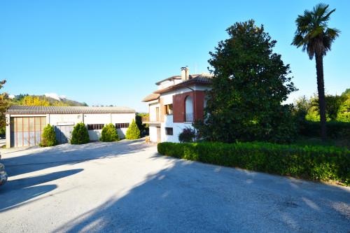 Casa Indipendente in Vendita a Castignano