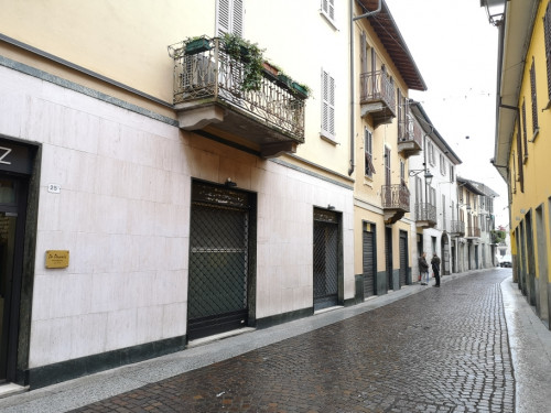 Locale commerciale in Affitto a Treviglio