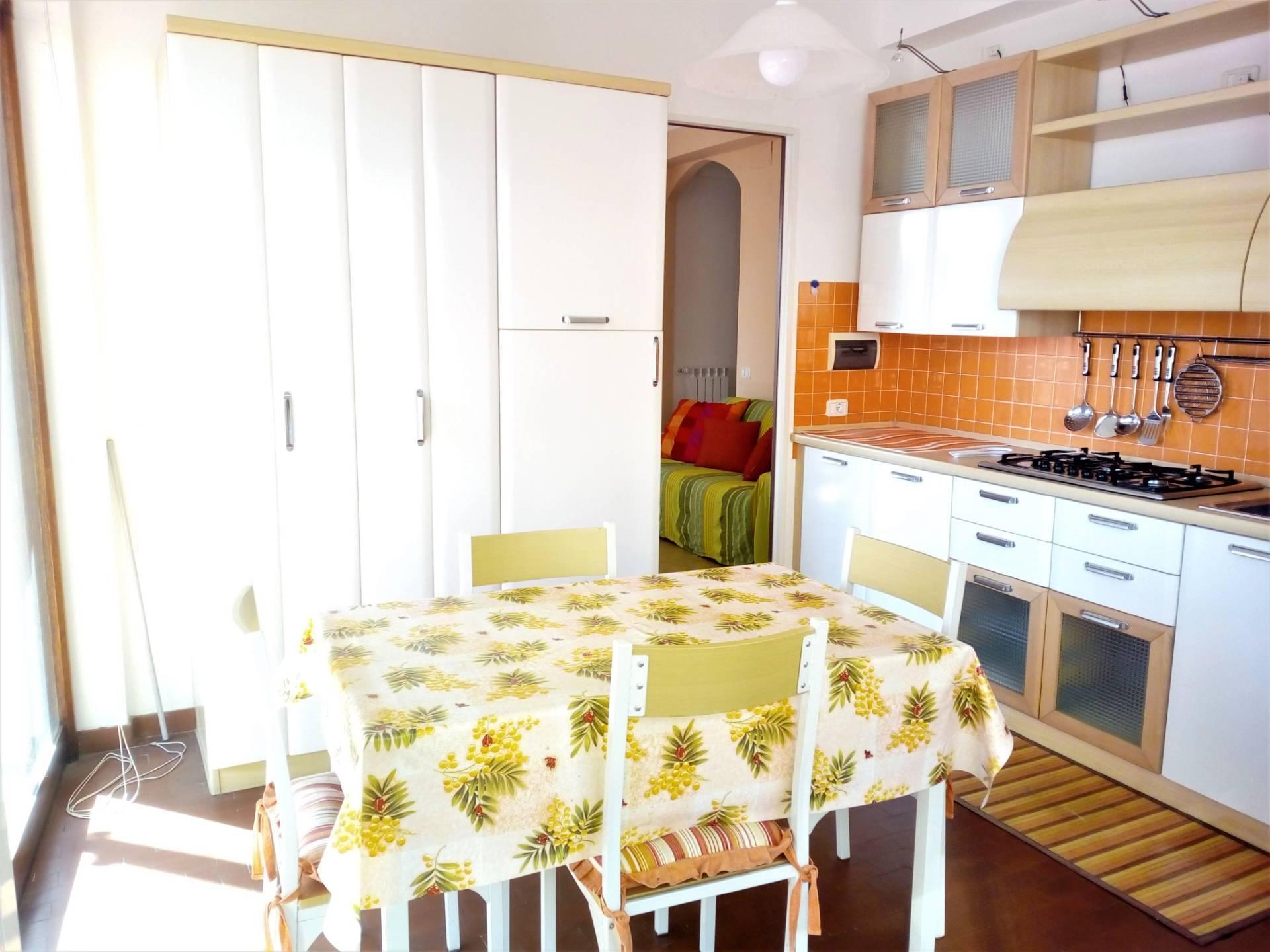 Appartamento in affitto a Albissola Marina, 4 locali, zona Località: Centro/mare, prezzo € 700 | PortaleAgenzieImmobiliari.it