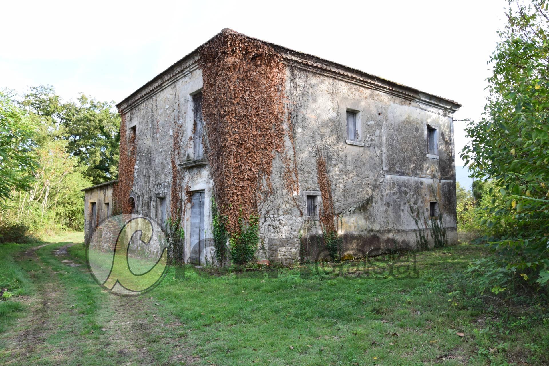 Soluzione Indipendente in vendita a Pignataro Interamna, 6 locali, zona Località: Ausonia, prezzo € 200.000 | CambioCasa.it