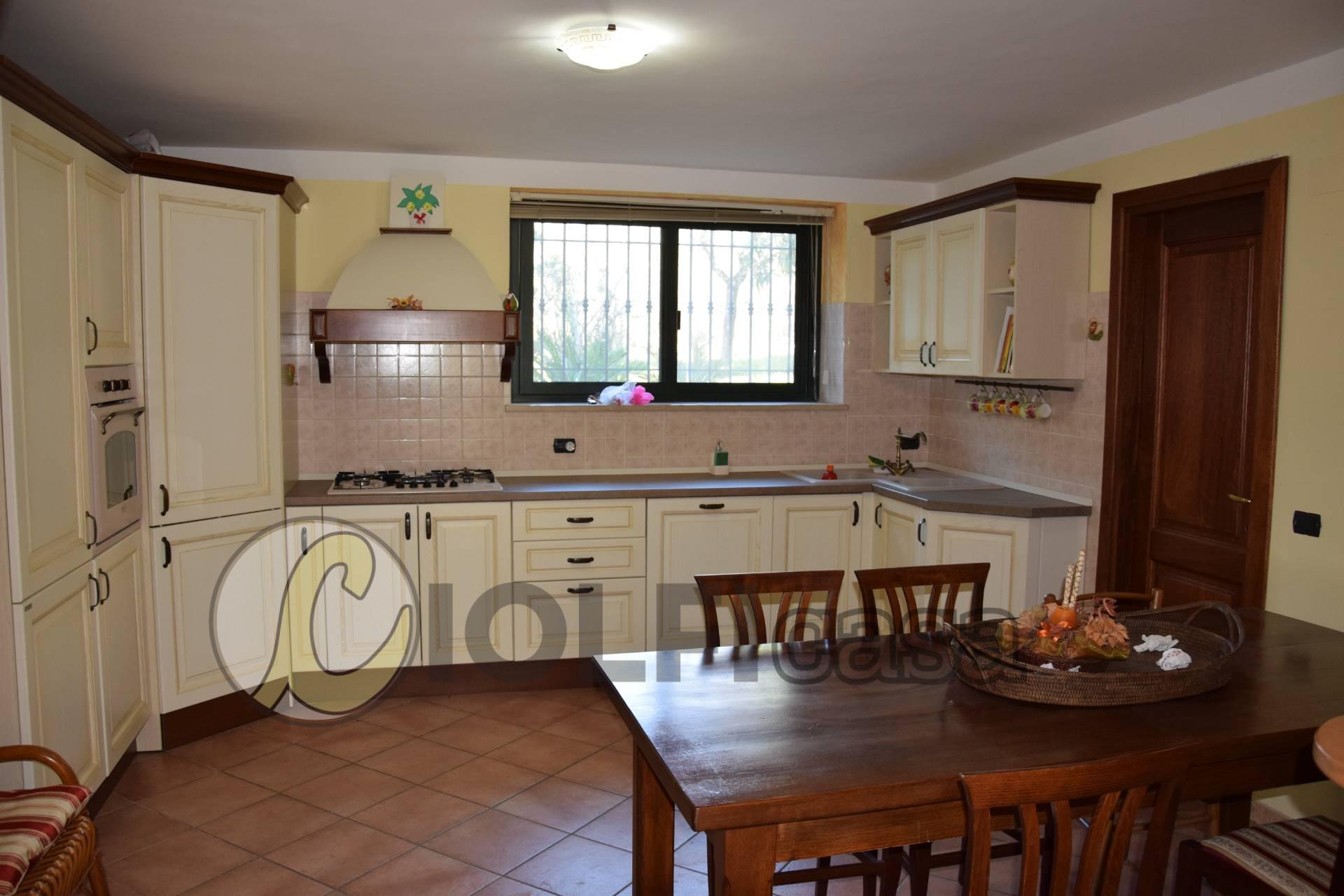 Villa a Schiera in vendita a Cervaro, 7 locali, zona Località: Foresta, prezzo € 165.000 | CambioCasa.it
