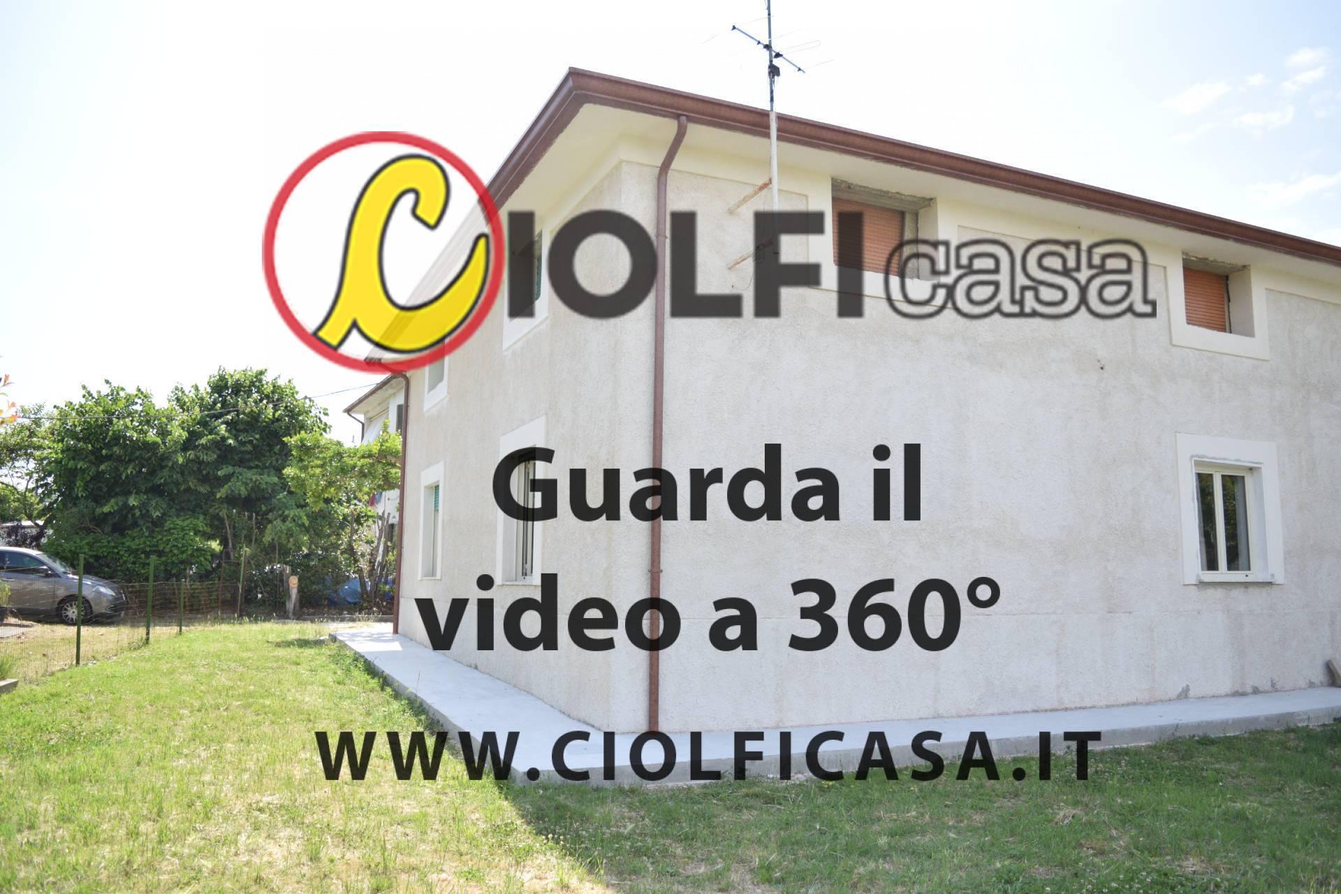Soluzione Indipendente in affitto a Cassino, 4 locali, zona Località: S.AngeloinTheodice, prezzo € 450 | CambioCasa.it