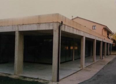 Locale commerciale in Vendita a Passignano sul Trasimeno