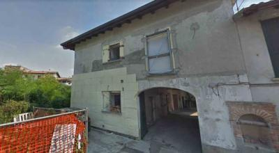 Stabile/Palazzo in Vendita a Cadorago