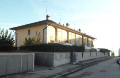 Villette a schiera in Vendita a Montemurlo