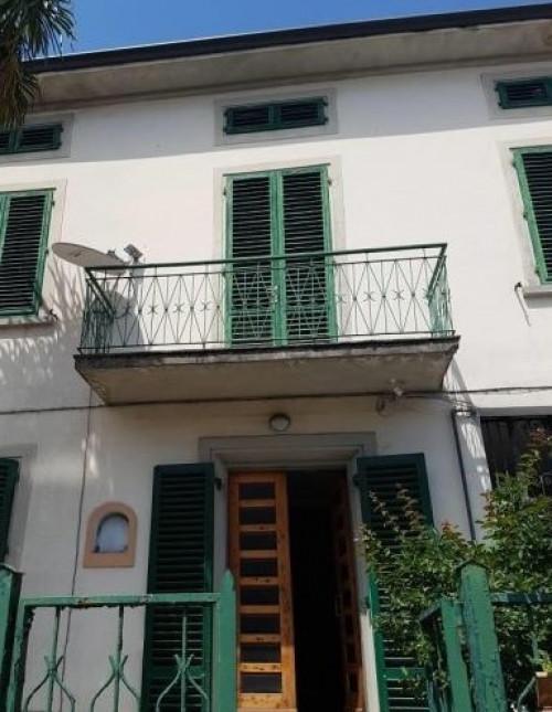 Stabile/Palazzo in Vendita a Prato