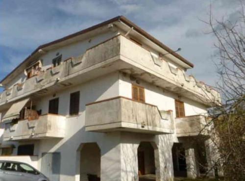 Appartamento in Vendita a Collecorvino