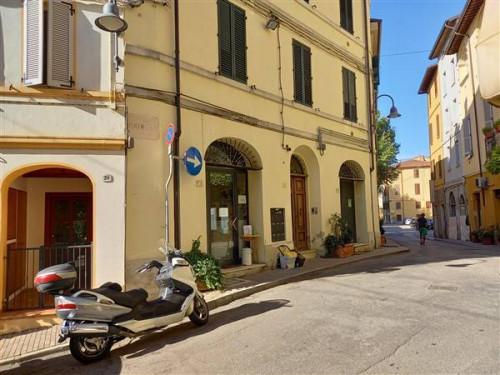Locale commerciale in Vendita a Castrocaro Terme e Terra del Sole