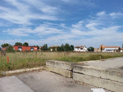 Terreno edificabile in Vendita a Tresignana