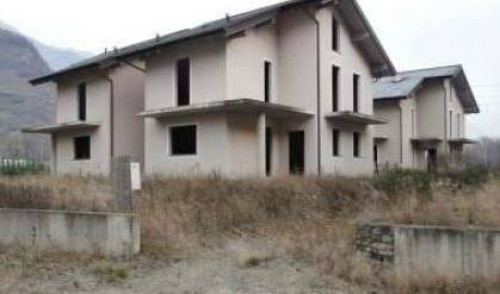 Stabile/Palazzo in Vendita a Teglio