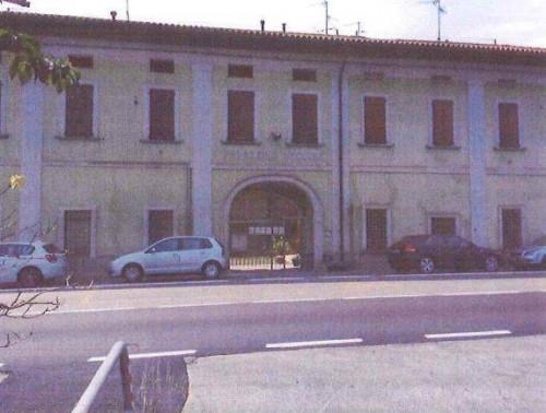 Stabile/Palazzo in Vendita a Calcinate