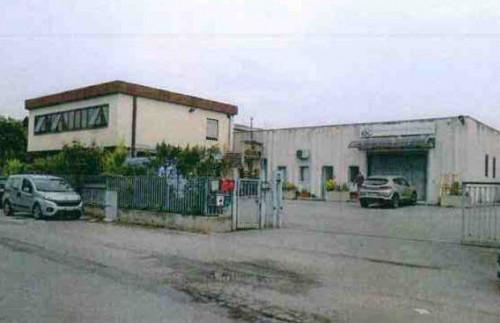 Magazzino in Vendita a Perugia