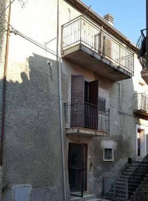 Porzione di casa in Vendita a San Vincenzo La Costa