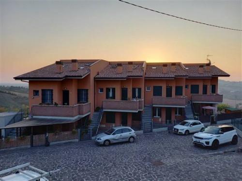 Appartamento in Vendita a Borghi