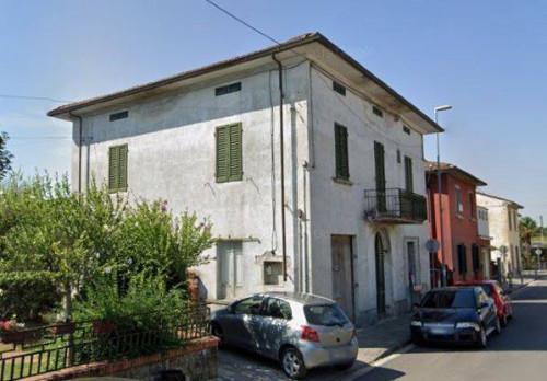 Stabile/Palazzo in Vendita a Castelfranco di Sotto