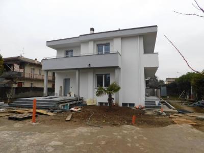 Villa in Vendita a Cernusco sul Naviglio