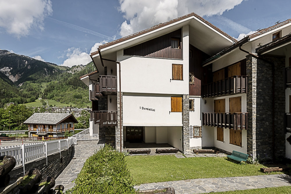 Appartamento in affitto a Courmayeur, 6 locali, prezzo € 30.000 | CambioCasa.it