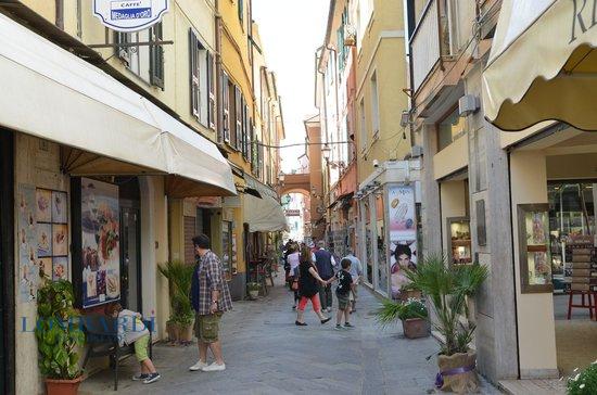 Negozio / Locale in affitto a Alassio, 9999 locali, prezzo € 3.500 | CambioCasa.it