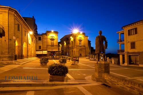 Appartamento in vendita a Filottrano, 4 locali, prezzo € 237.000 | CambioCasa.it